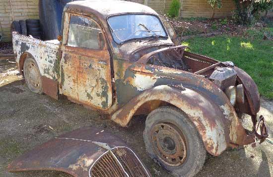 1940s-peugeot-202-5